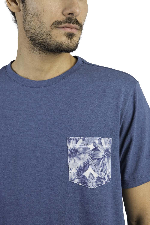 17fa6d02cf T-Shirt Com Bolso Lisa Azul - Taco
